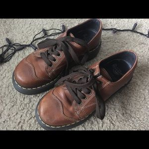 Dr. Martens 8651 brown oxford shoes